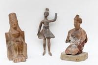 Göttin, Tänzerin und Tochter aus gutem Hause
